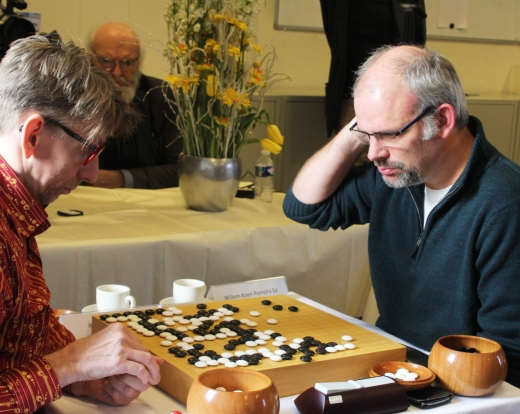 Rob van Zeijst 7d (left) in his difficult  round 3 game with Willem-Koen Pomstra 5d